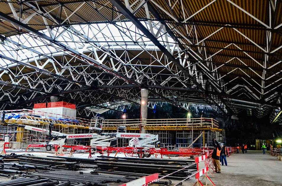 Золотой профнастил для реконструкции Московского аэровокзала